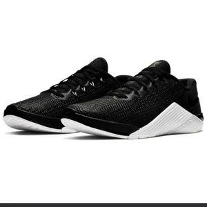 Nike Metcon 5 (Women's), US 6.5/ Black/White
